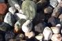 Натуральный природный камень для дорожек - галька, валуны, плитняк, мраморная крошка